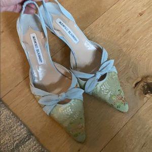 Manolo blahnik suede kitten heels  size 38